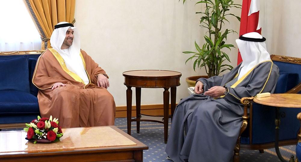 محمد بن مبارك يستقبل السفير عمر سيف غباش