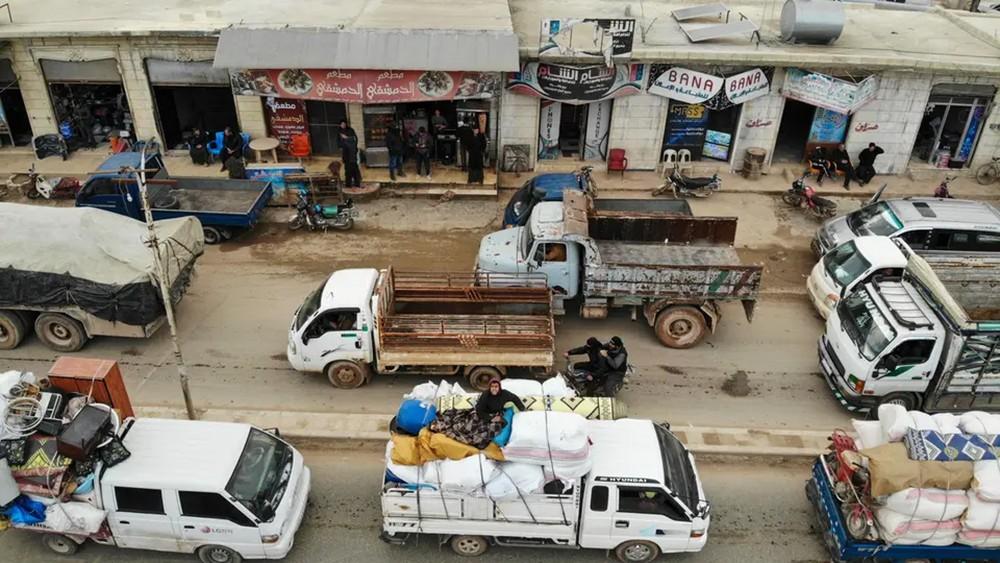 النظام يقضم نصف إدلب.. والعين على طريق دمشق – حلب