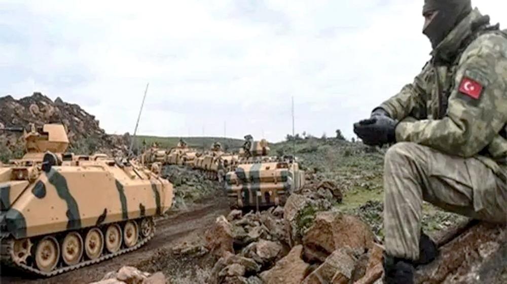 رتل عسكري تركي إلى سوريا.. واشتباكات عنيفة مع قسد