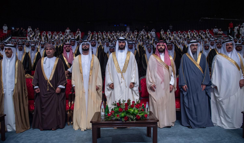 ناصر بن حمد يثمن العطاء الإماراتي بتنظيم حفل الزواج الجماعي لصالح 1200 شاباً