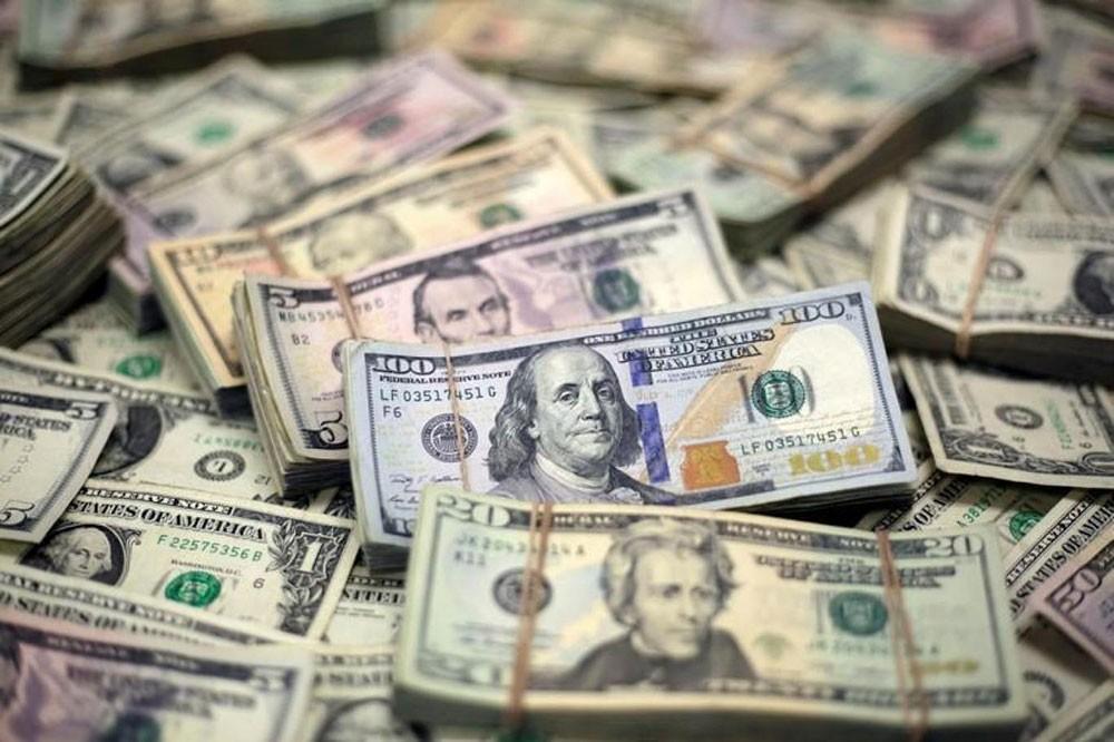 الدولار يتراجع في ظل تزايد القلق بعد خفض الفدرالي للفائدة