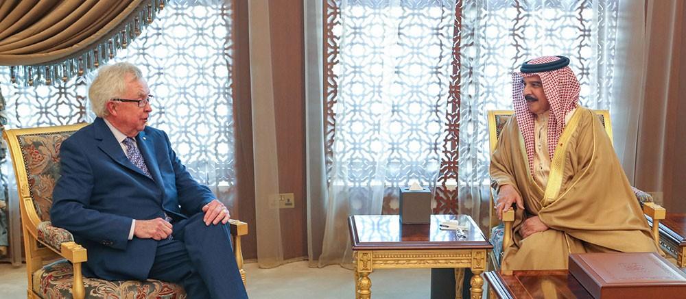 جلالة الملك يستقبل رئيس وزراء كندا السابق ويؤكد عمق علاقات التعاون بين البلدين