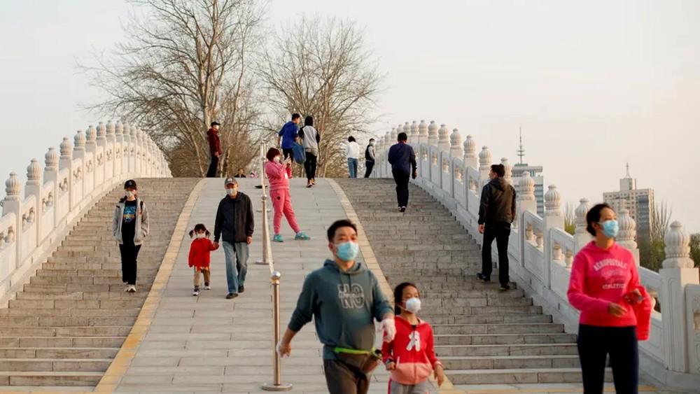 تخفيف القيود على معقل كورونا بالصين وانحسار بكوريا الجنوبية