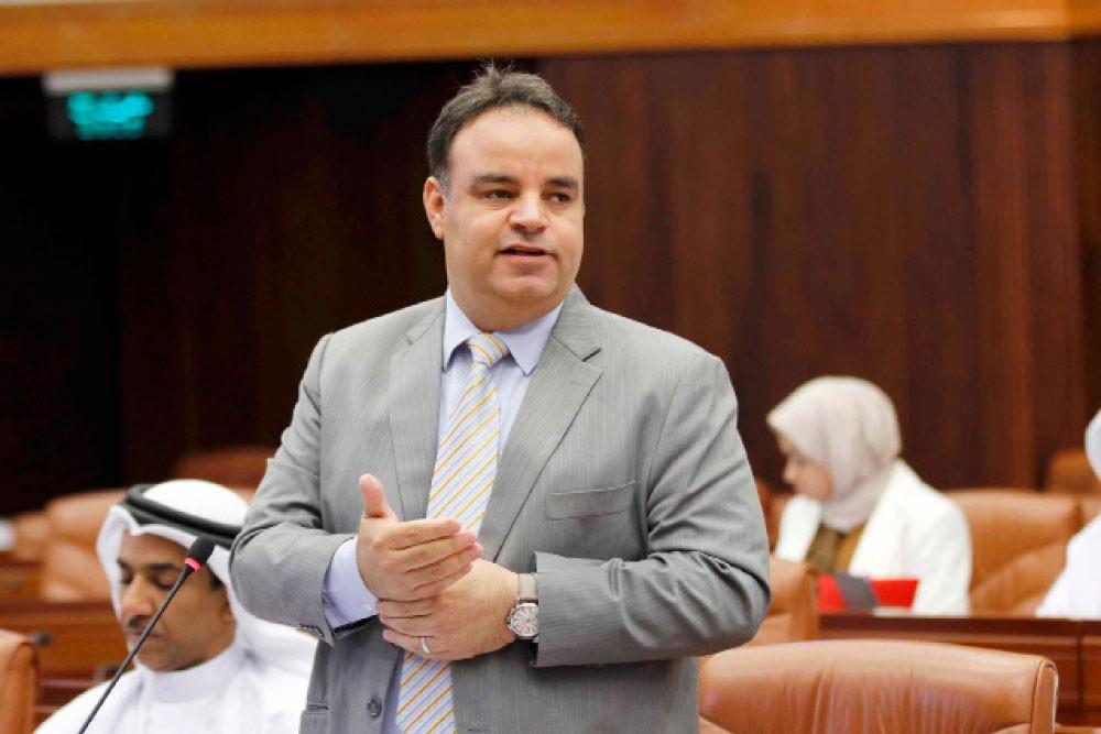 العشيري: تأخر إجلاء العالقين يفتح باب التكسب السياسي