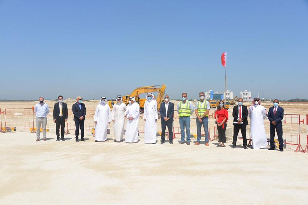 الزياني يزور موقع مشروع مركز البحرين الدولي للمعارض والمؤتمرات الجديد في الصخير