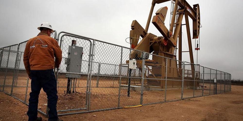 بيكر هيوز: استمرار تراجع منصات التنقيب عن النفط بالولايات المتحدة للأسبوع الـ 13 على التوالي