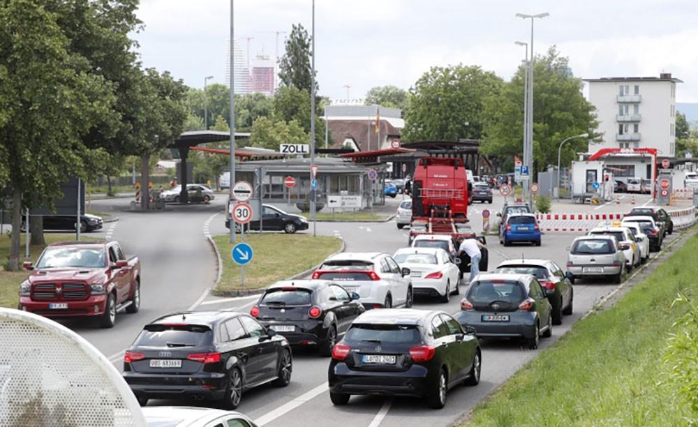 تراجع مبيعات السيارات في الاتحاد الأوروبي بأكثر من 50 % في مايو