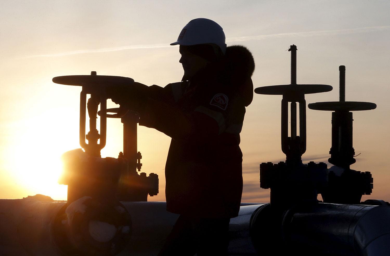 النفط يهبط بسبب المخاوف من موجة كورونا الثانية