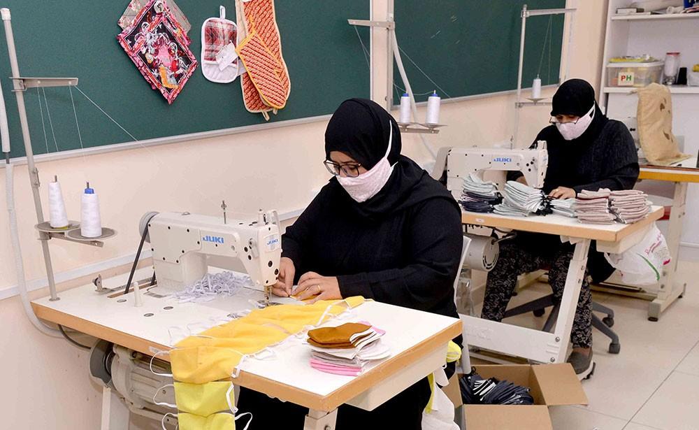 حميدان يشيد بجهود المتطوعين والمتطوعات من الأسر المنتجة في تصنيع الكمامات الوقائية