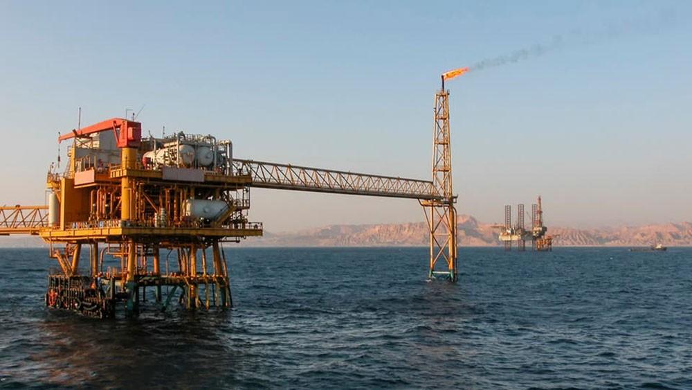 مصر توقع 12 اتفاقية بترولية بمليار دولار في 4 مناطق