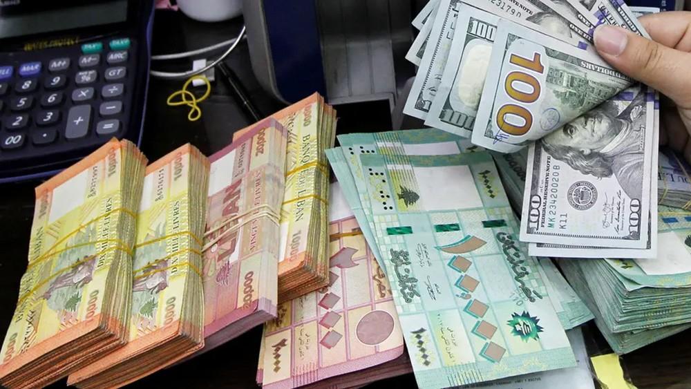 بين الصرافين والسوق السوداء.. الدولار يلامس 6 آلاف ليرة لبنانية