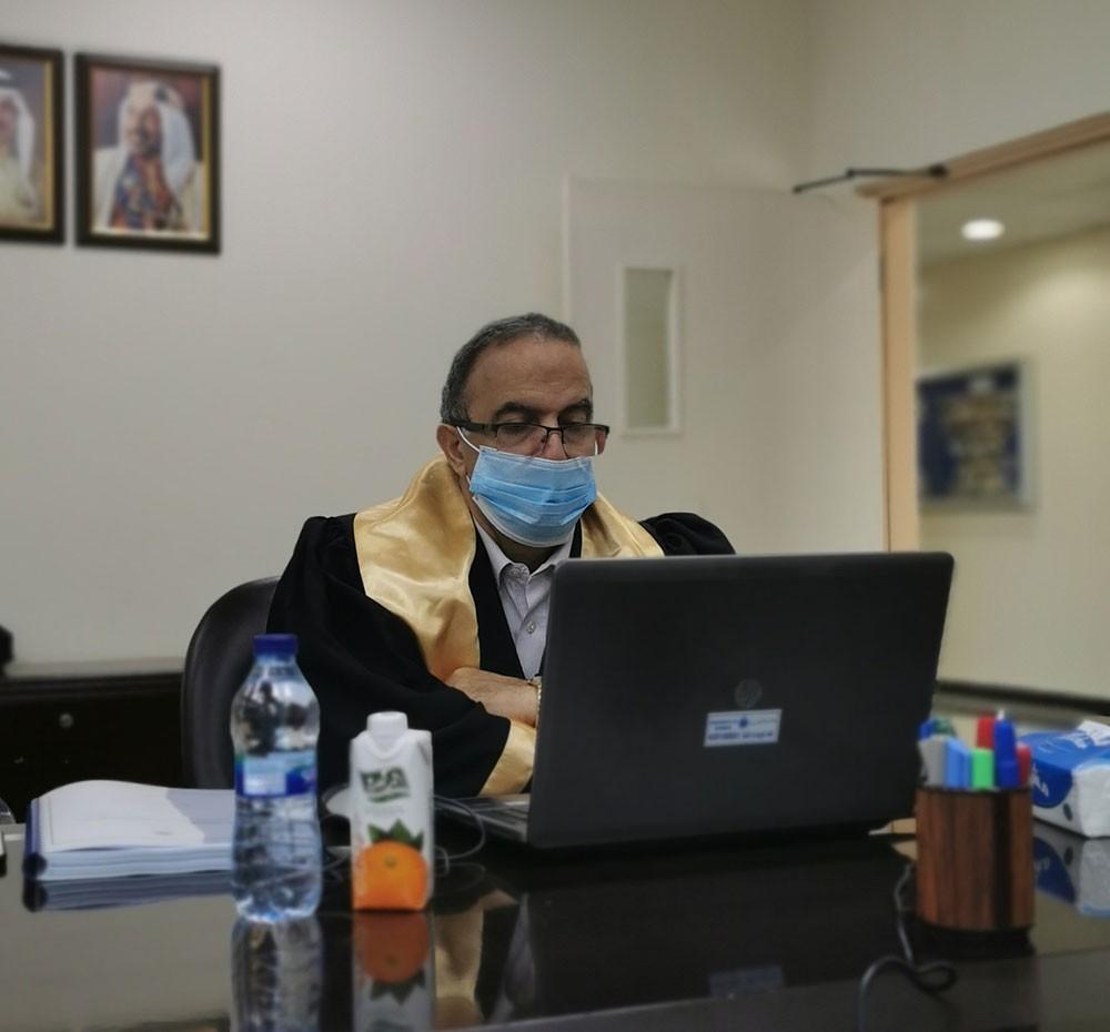 """""""علم النفس"""" بجامعة البحرين يناقش 6 أطروحات ماجستير لطلبته"""