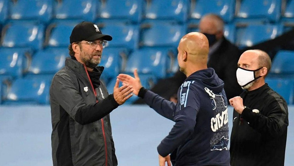 كلوب وغوارديولا يدافعان عن ليفربول بعد الهزيمة القاسية