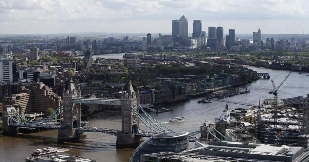 """قبل """"موسم العطلات"""".. بريطانيا تخفف القيود على الوافدين إليها"""