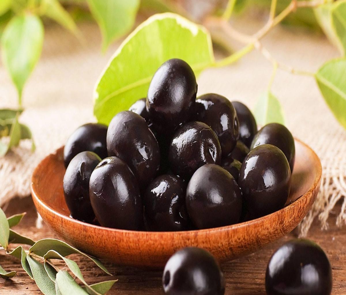"""الزيتون الأسود لعلاج """"الأنيميا"""""""