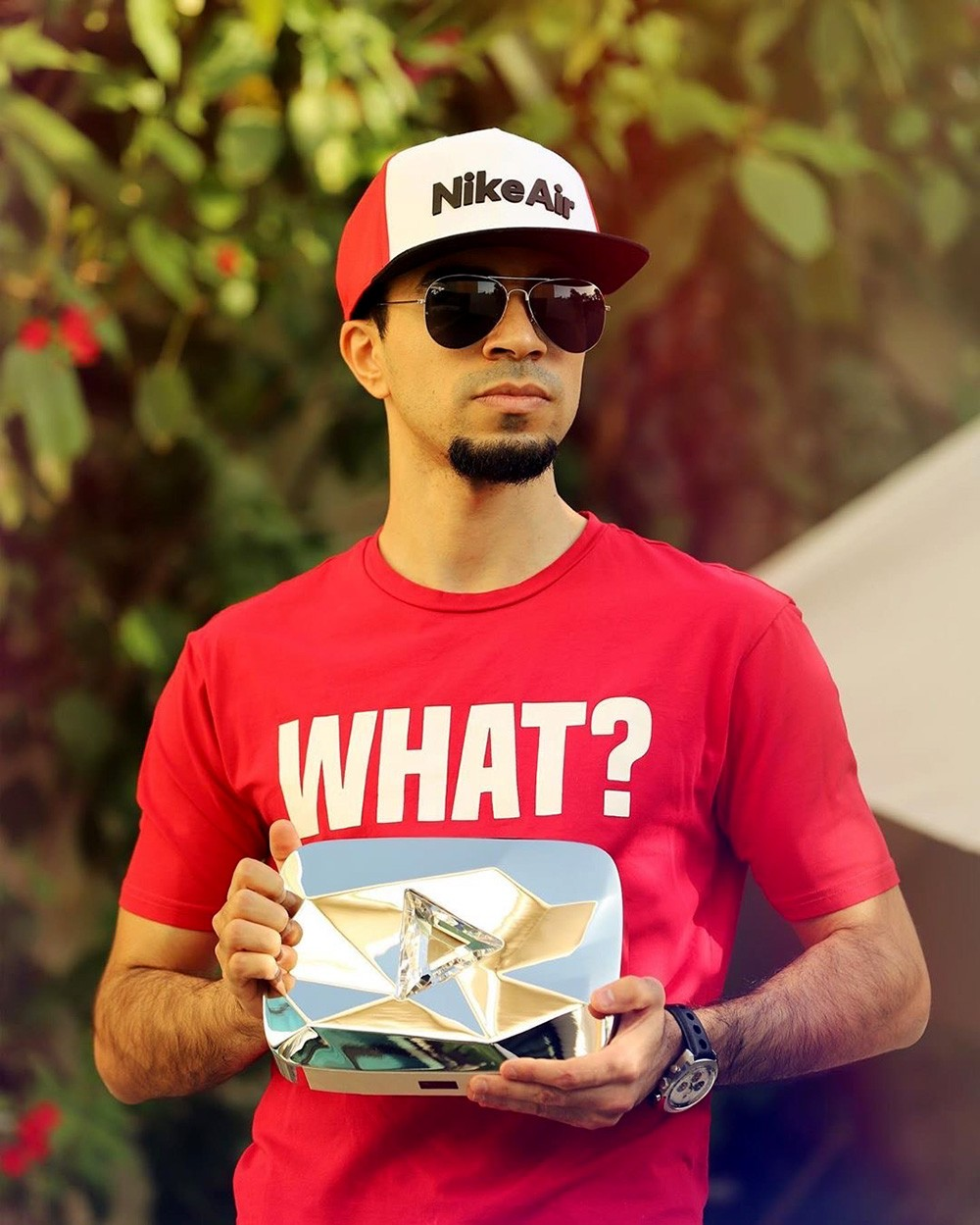 بالفيديو: بحريني ملكا لليوتيوب.. يقود قناة ألعاب بـ 10 ملايين متابع