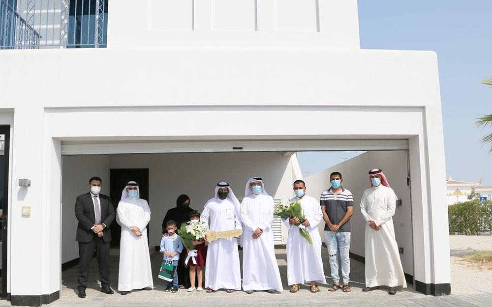 """""""التمويل الكويتي"""" يسلم أول مجموعة من الفلل الممولة في مشروع ديرة العيون ضمن """"مزايا"""""""