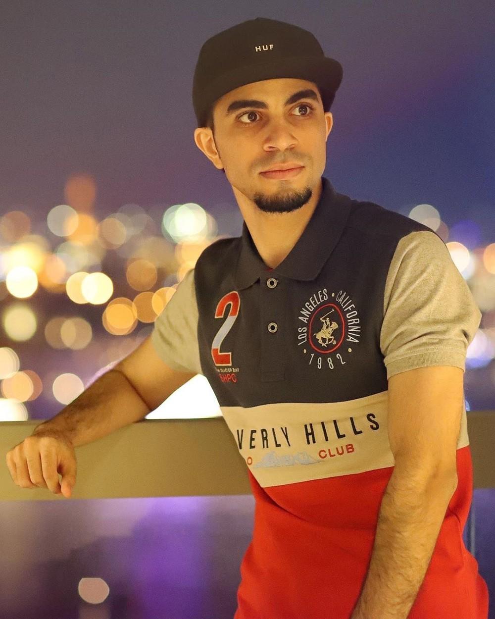 """بالفيديو: ملك اليوتيوب البحريني لـ """"البلاد"""": تورط مشاهير """"السوشيل ميديا"""" بغسيل الأموال """"خيانة للوطن"""""""