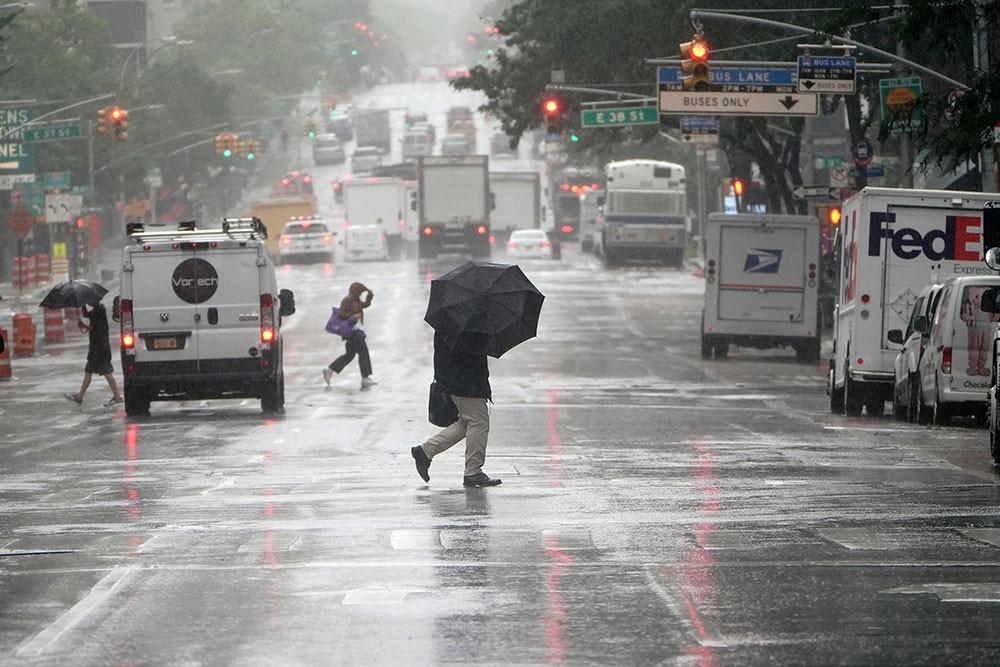 إعصار إساياس يعبر ساحل أميركا الشرقي.. ومقتل 4