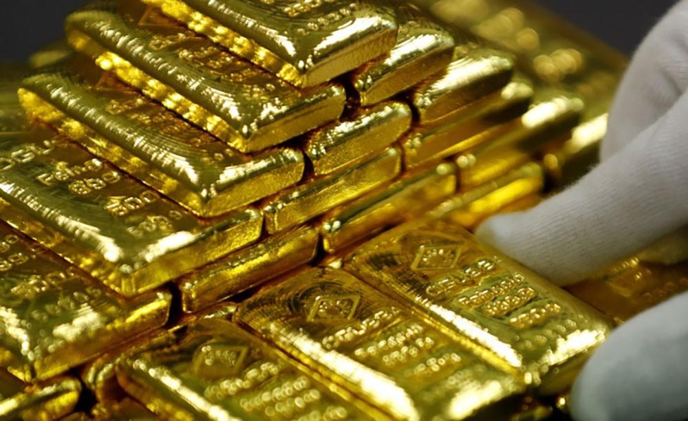 الذهب يواصل ارتفاعه والأسعار تلامس مستويات قياسية
