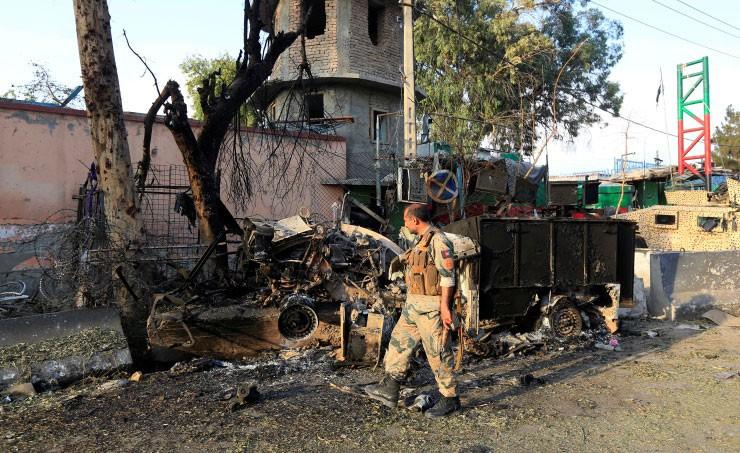 مقتل 7 رجال شرطة بانفجار سيارة مفخخة في أفغانستان