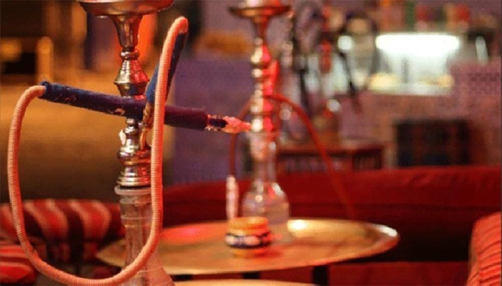 السماح بفتح المقاهي في السعودية لتقديم الشيشة