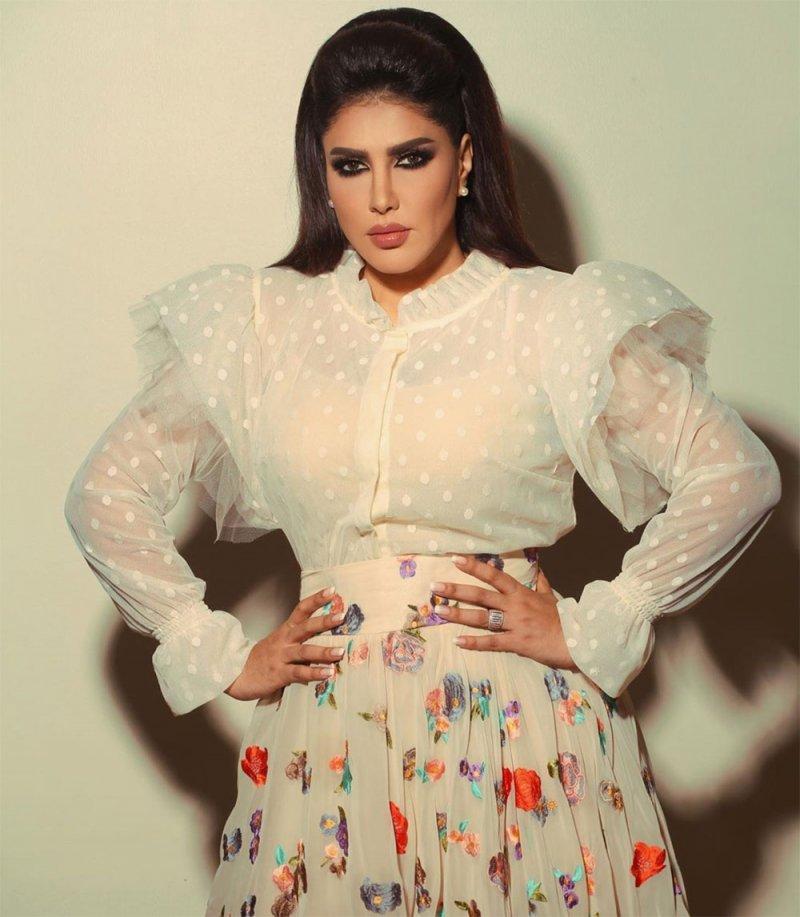 """زهرة عرفات: انا فنانة محترمة وأرفض أن أكون """"أراجوزًا""""!"""