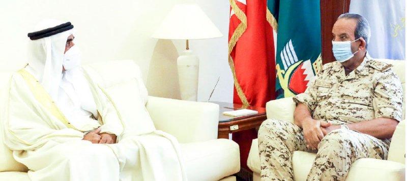 القائد العام يستقبل محمد بن عطية الله
