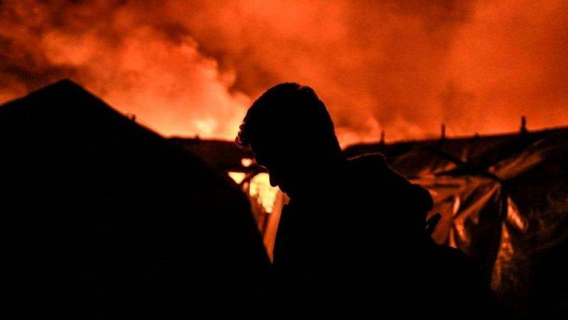 اليونان.. حريق جديد في مخيمات اللاجئين