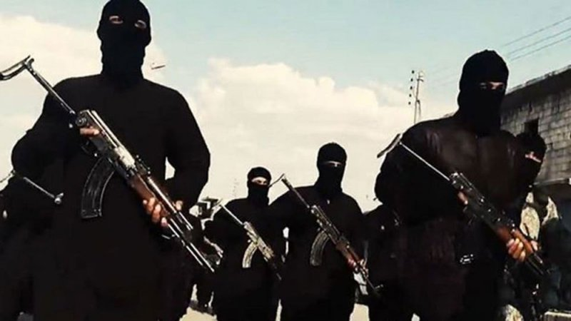 رغم نكباته.. داعش يتمدد مع 20 فصيلا في ذيله