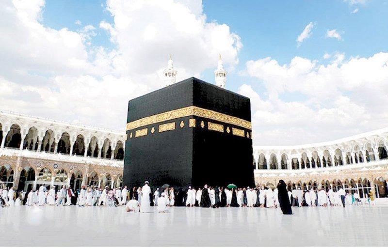السعودية تسمح بعودة العمرة والزيارة تدريجياً