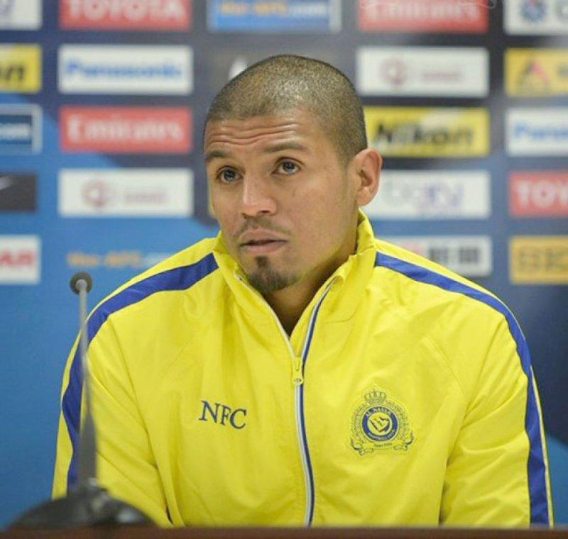 محمد حسين يدعم فريق الأهلي للقدم