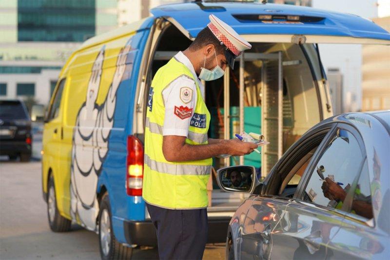 """""""شرطة المرور"""" تكرم السواق الملتزمين بالأنظمة المرورية"""