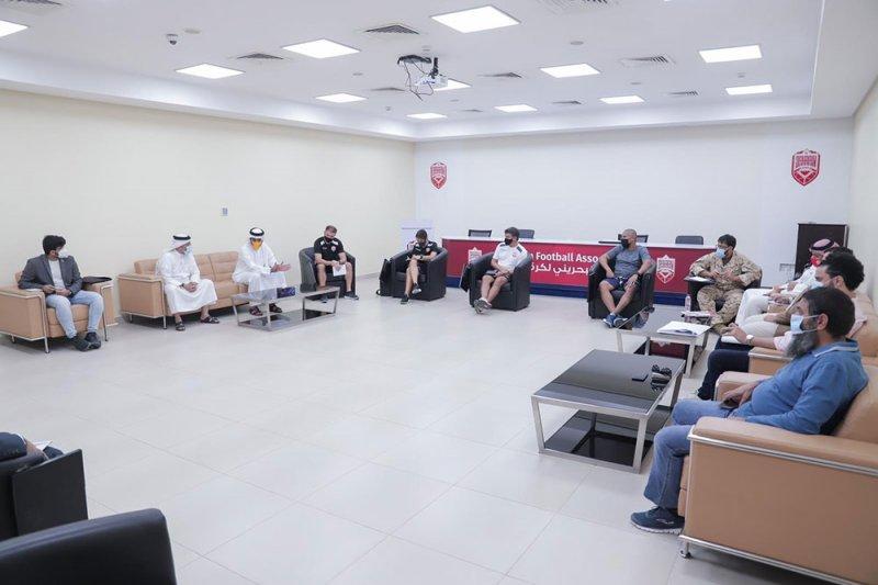 نائب رئيس اتحاد الكرة للشؤون الفنية يستقبل صقر بن سلمان