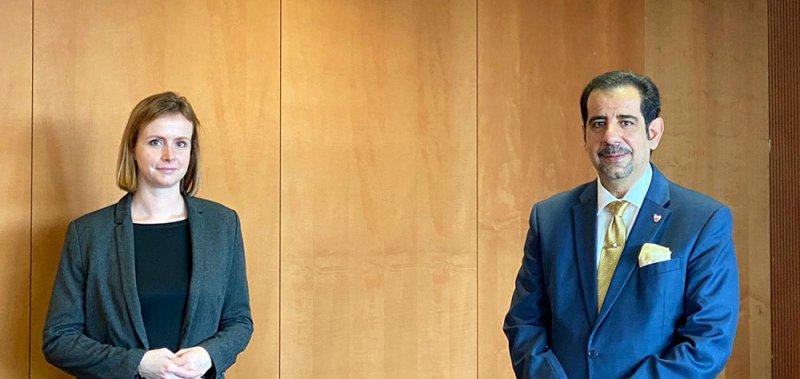سفير البحرين لدى ألمانيا يجتمع مع رئيس لجنة حقوق الإنسان بالبرلمان الألماني