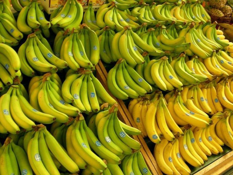 الموز الاصفر أم الأخضر.. أيهما الأكثر فائدة؟