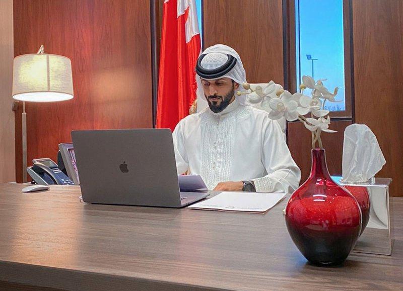 سمو الشيخ ناصر بن حمد يدعو شباب البحرين والخليج العربي والعرب لتطوير ذواتهم والإبداع في مختلف المجالات