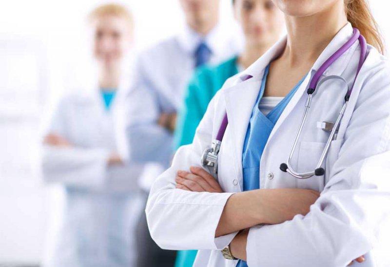 """""""البلاد"""" مستمرة في تعريب الشواغر الوظيفية: أطباء لمركز رام ومستشفيات """"الأمل"""" و""""الهلال"""""""