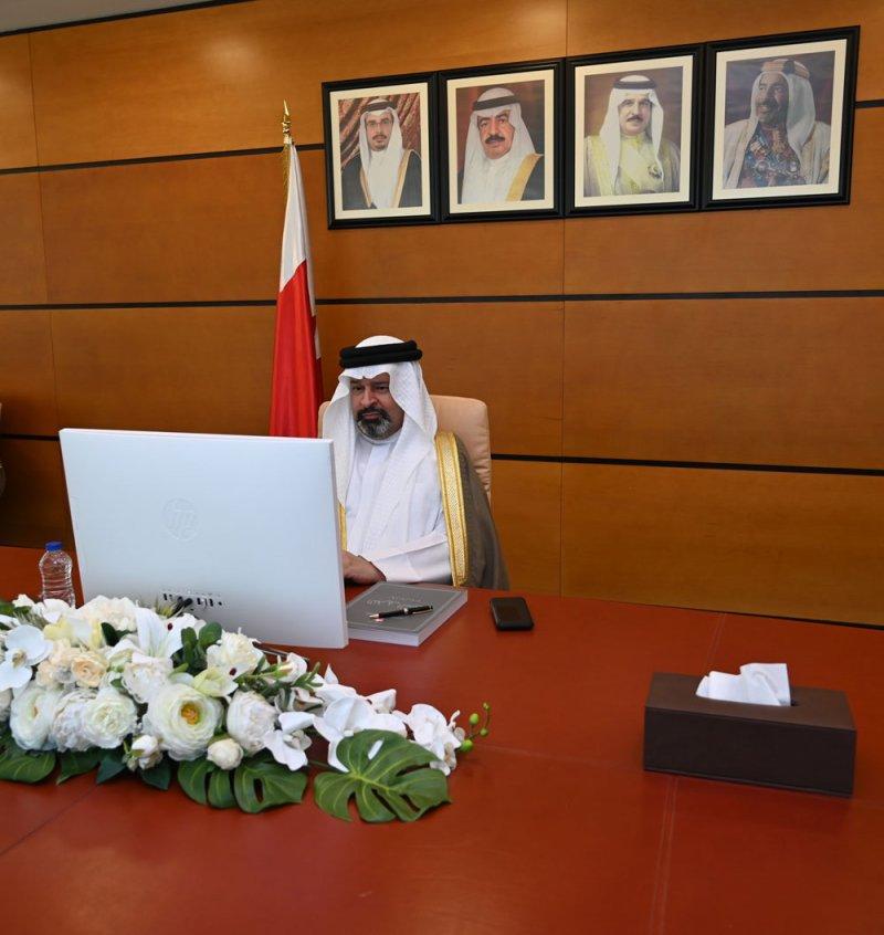 تسليم تقرير ديوان الرقابة المالية والإدارية لرئيس مجلس الشورى