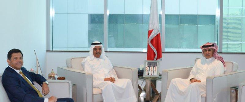 وزير الصناعة والتجارة والسياحة يستقبل رئيس مجلس إدارة بنك البحرين والكويت