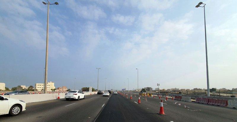 """بالصور: """"الأشغال"""": إنجاز 80% بمشروع توسعة شارع الشيخ خليفة بن سلمان لـ5 مسارات بالاتجاهين"""
