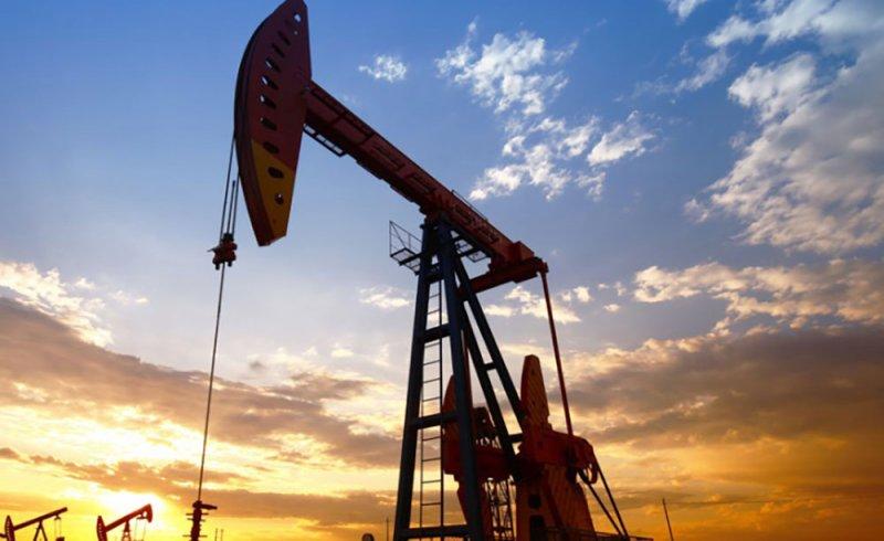 أسعار النفط تتجه لتسجيل ثالث مكسب أسبوعي على التوالي