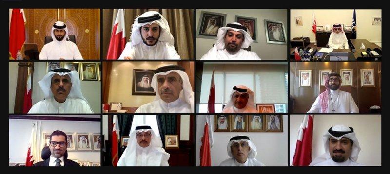 """ناصر بن حمد يناقش مع الوزراء توصيات """"قمة الشباب"""" ويوجه لدراستها وتنفيذها"""