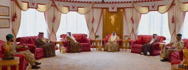 جلالة الملك يعقد اجتماعًا مع سمو ولي العهد رئيس الوزراء لاستعراض عدد من القضايا والمواضيع المحلية