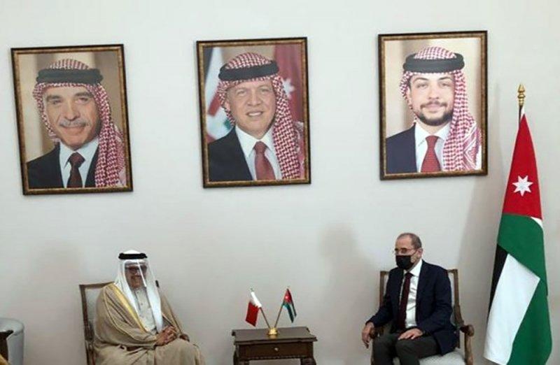 وزير الخارجية يجتمع مع نائب رئيس الوزراء ووزير الخارجية وشؤون المغتربين بالمملكة الأردنية الهاشمية