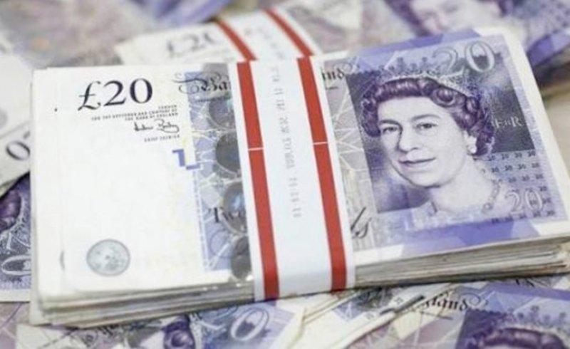 الجنيه الاسترليني يرتفع مقابل الدولار الأمريكي واليورو