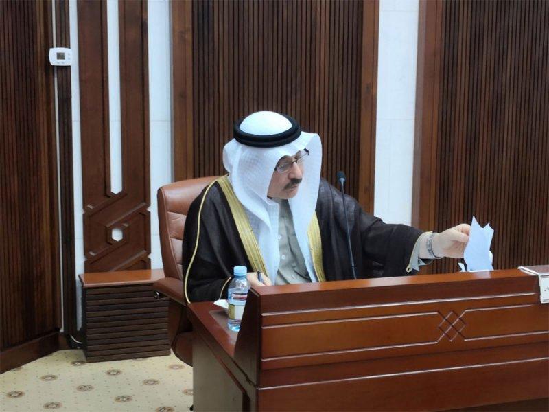 """وزير العمل معقبًا للنائب السلوم: نشر الوظائف بالإنجليزي أمر موجود بـ """"سيستم"""" الوزارة"""