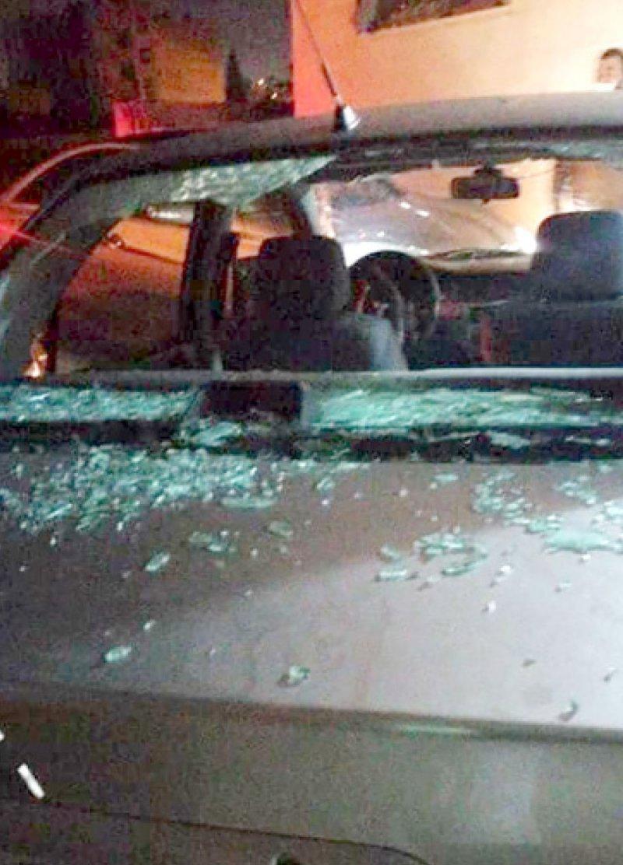 فتاة تحطم زجاج 15 سيارة في إربد بالأردن