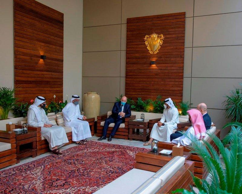 ناصر بن حمد يشيد بدعم الاتحاد الدولي لكرة القدم البحرينية