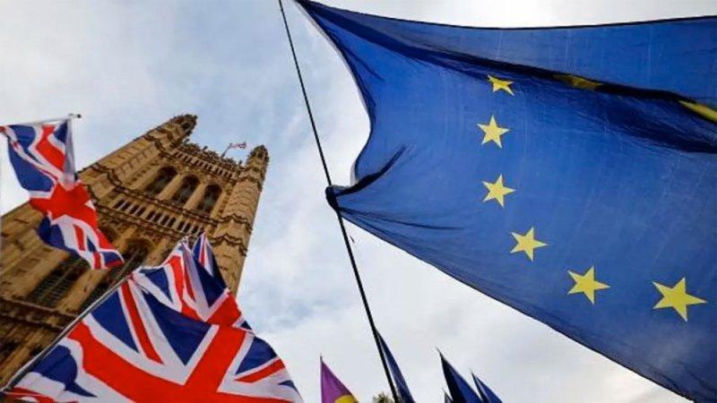 """صفقة """"بريكست"""" ما زالت معلّقة.. البرلمان الأوروبي يؤجل قراراً حاسماً"""
